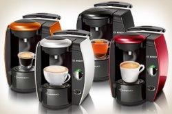 Bosch Tassimo-Automat + WMF Gläser + Tassimo Jacobs Krönung Latte Macchiato, 2er Pack für 28,50 € über amazon