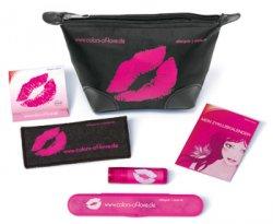 kostenlose gefüllte Kosmetiktasche von Stada für junge Frauen