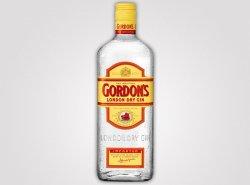 Gordons Gin (0,7 l) für nur 8,90 Euro (+ 5,90 VSK) bei 100champagner