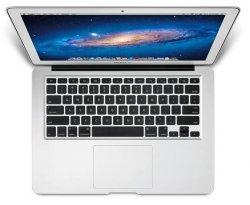 MacBook Air 13″ (Core i5-2557M + 4GB RAM, 128GB SSD) für 854,05 @ mactrade für Schüler und Studenten