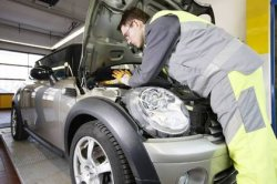 Auto Inspektion in einer Fachwerkstatt kostenlos durch DEKRA Aktion