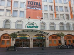 Total Ausverkauf bei Kaufhof Galeria in Augsburg 10-40% Rabatt AUF ALLES!!