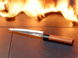 Pearl: Santoku Küchenmesser mit Echtholzgriff, ultrascharf, handgeschmiedet gratis dazubestellen