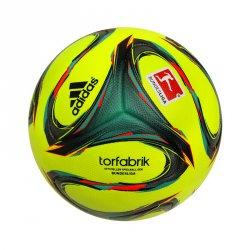 75€ Rabatt, versandkostenfrei + 5 Euro Wettgutschein: adidas Torfabrik 2014 OMB Winterball für 54,99€ statt 129,99 € (Idealo: 62,43 €)