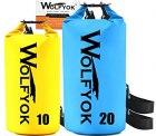Amazon: Wolfyok Wasserdichter PVC Stausack, 2 Stück 20L / 10L für 16,99 € statt 21,99 € dank Gutschein-Code
