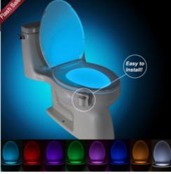 eBay: WC LED Licht mit Bewegungsmelder für 2,54 Euro inkl. Versand [ Idealo 6,99 Euro ]