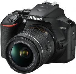 Mediamarkt: NIKON D3500 Spiegelreflexkamera mit 18-55 mm Objektiv + Fototasche und Speicherkarte für nur 299 Euro statt 393,75 Euro bei Idealo