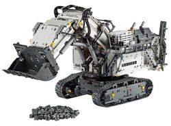 Dank MediaMarkt Newsletter Gutschein z.B. den LEGO Technic Liebherr Bagger R 9800 für 275€ [idealo 313€]